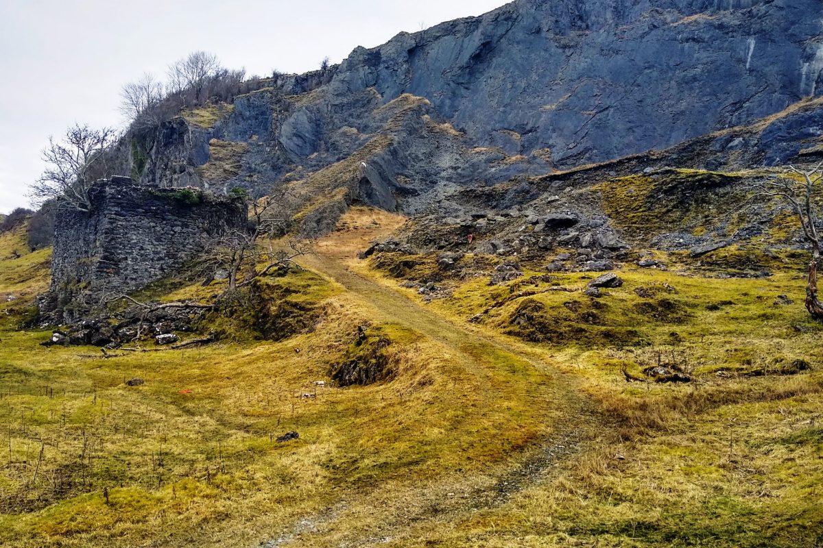 Road to quarry