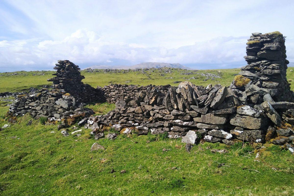 Ruined dwelling, Port a' Charrain